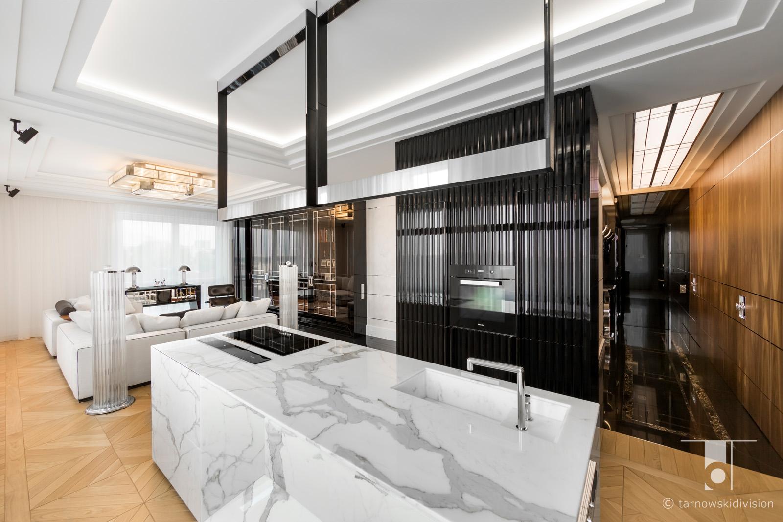 ekskluzywna kamienna wyspa kuchenna z kamienia z marmuru aranżacja kuchni wyspy luxury kitchen island design_tarnowski division
